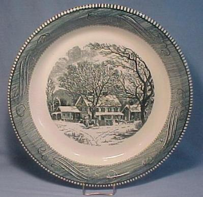 "Currier & Ives Old Winter Inn 10"" Pie Baker"