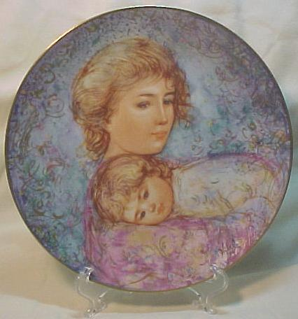 Edna Hibel Knowles Mother's Day Plate - 1984 Abby & Lisa