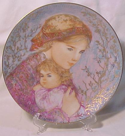 Edna Hibel Knowles Mother's Day Plate - 1986 Emily & Jennifer